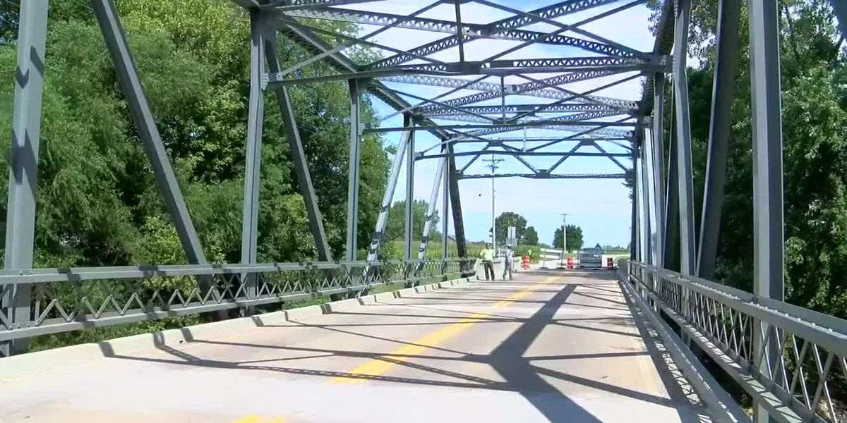 Daviess Co. bridge closed after being damaged by truck