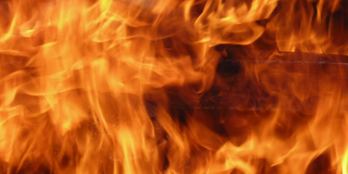 EFD: Accidental stove fire ignites inside Evansville apartment