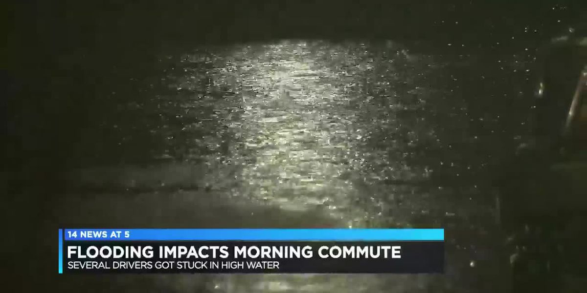 Rain causes flash flooding Thursday morning