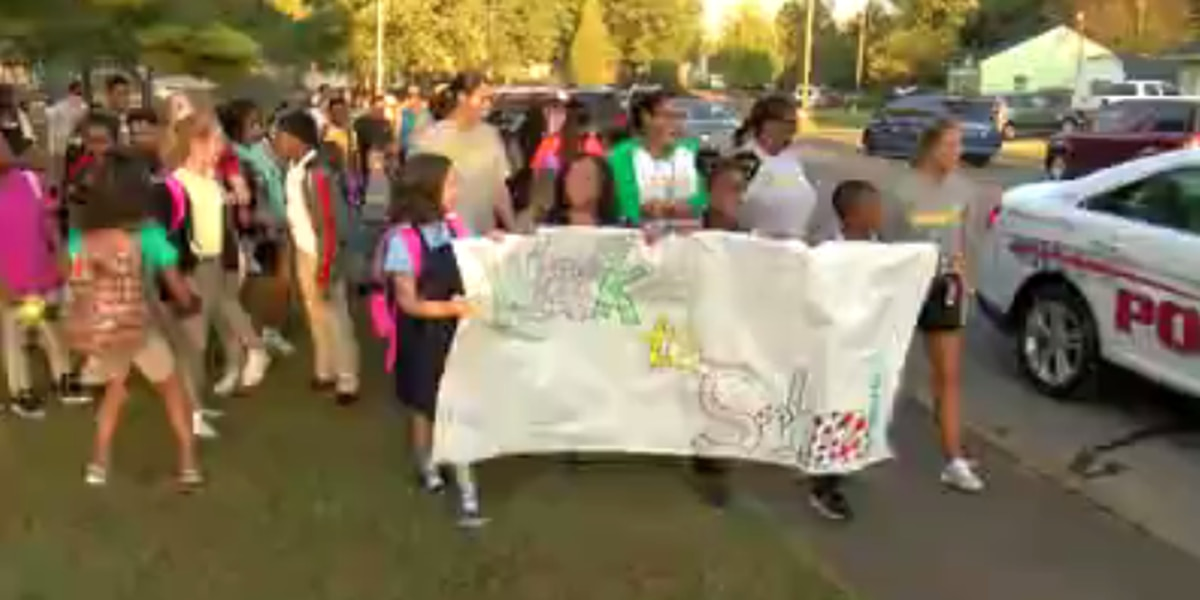 Tri-State students participate in National Walk to School Day