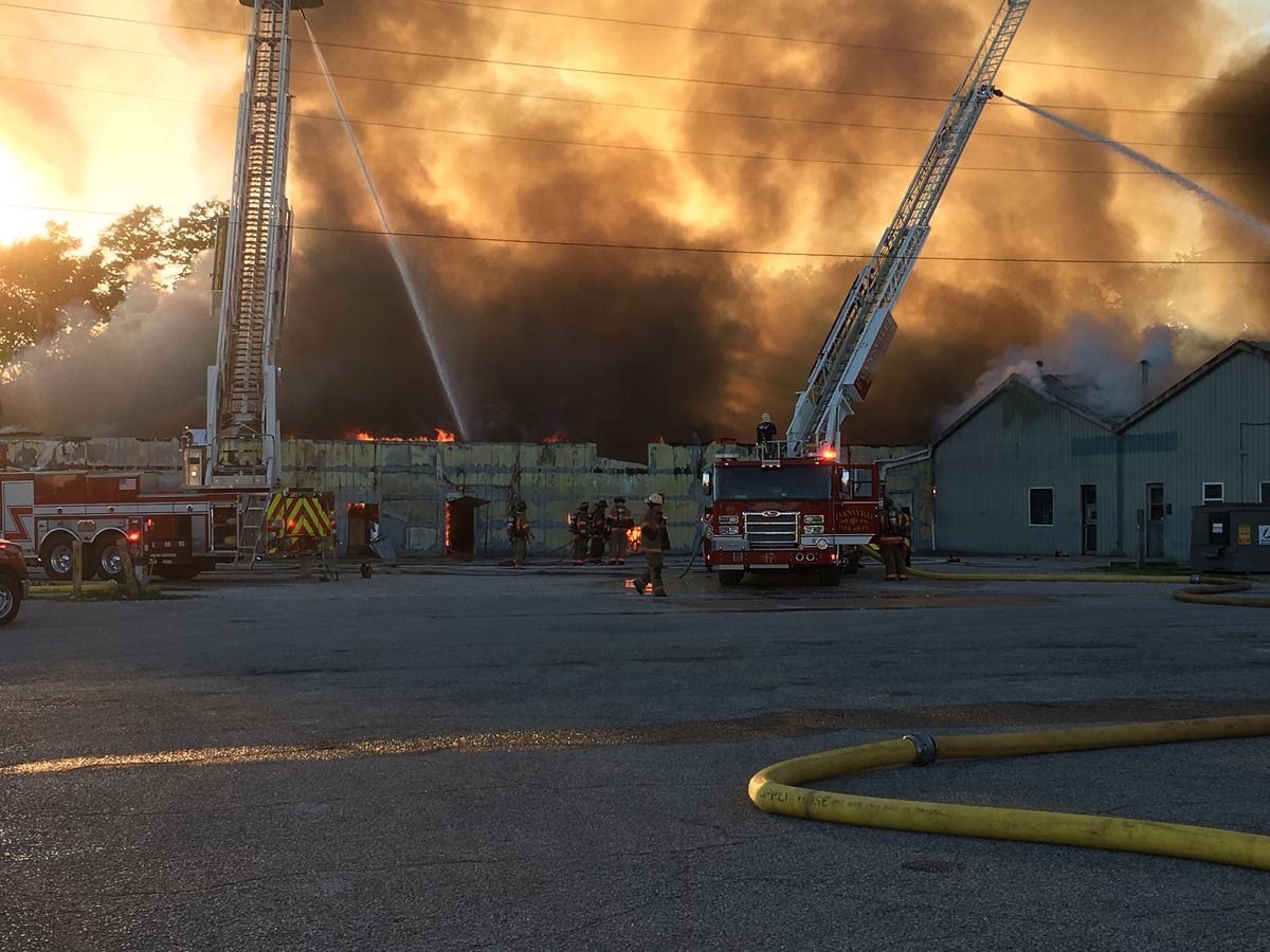 Investigators work to find cause of Diamond Flea Market fire