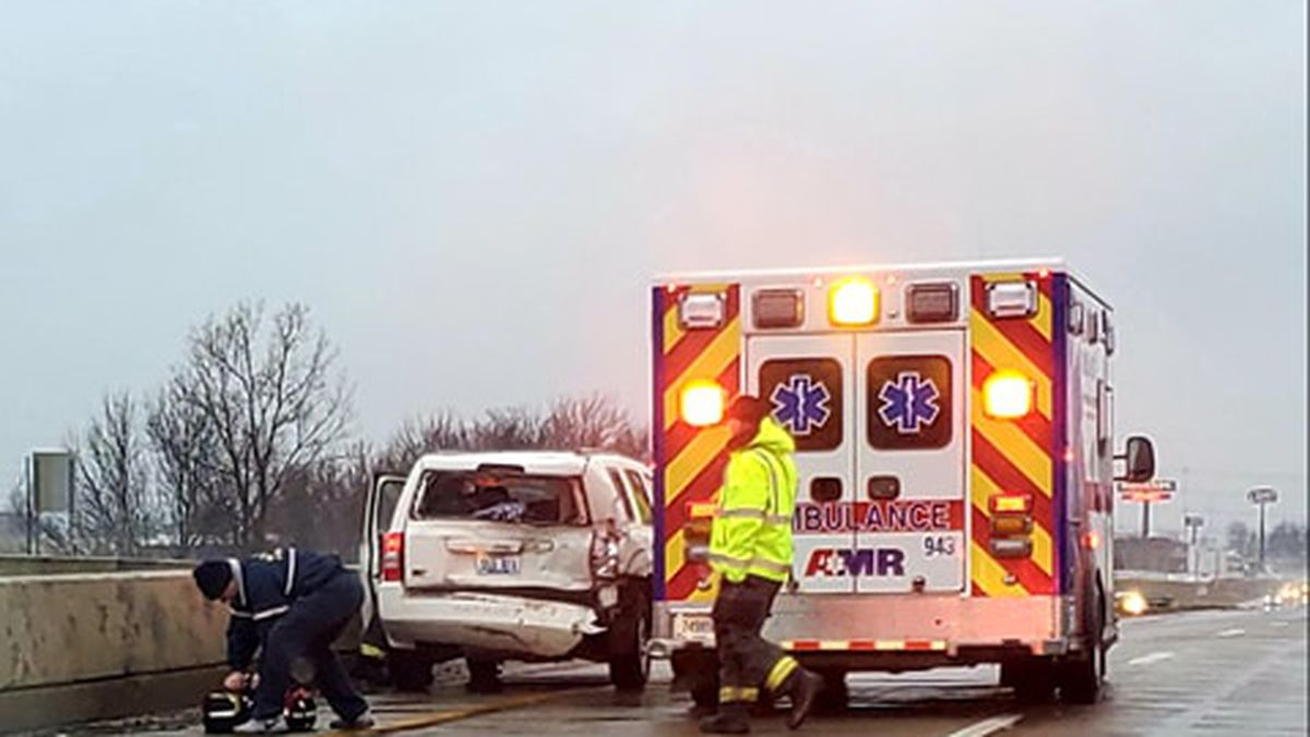 One person hurt during crash on Owensboro bypass