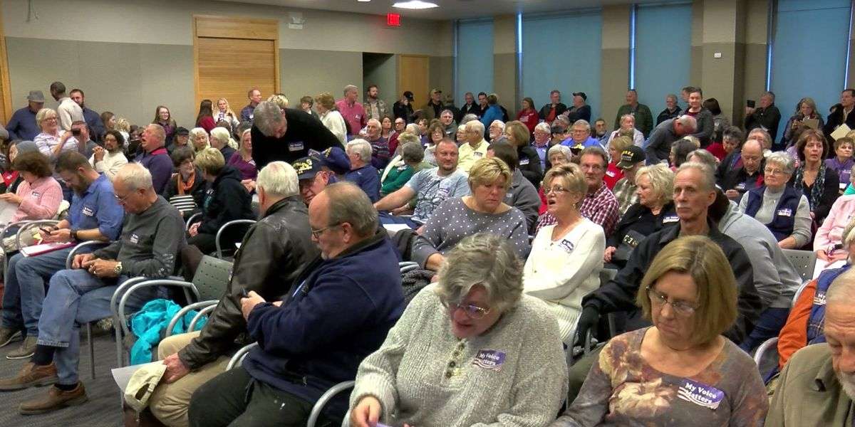 Packed house for library board meeting on Drag Queen Story Hour