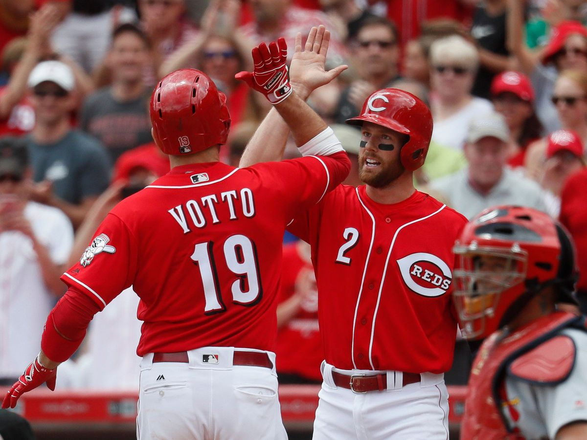 Reds' Joey Votto pops out to first for 1st time in career