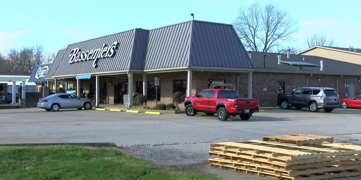 Police investigating theft of Big Green Egg grills from Evansville business