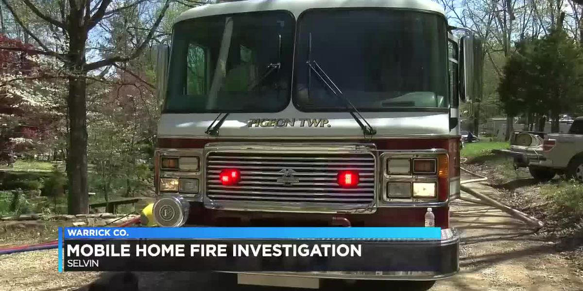 Crews respond to trailer fire in Warrick Co.