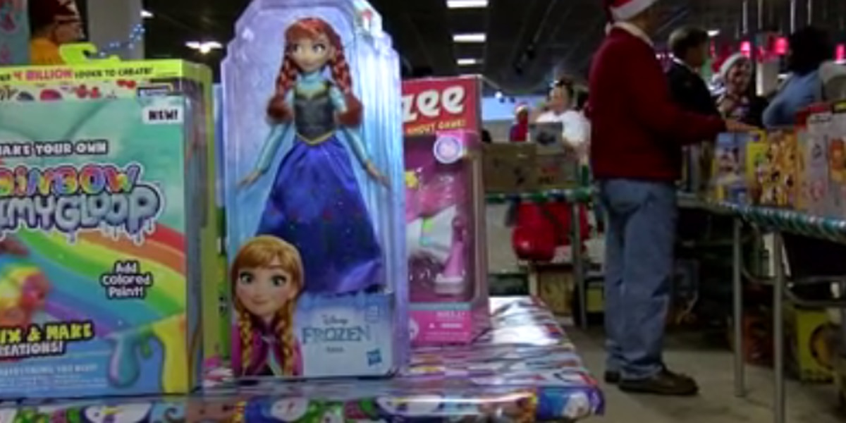Toy Town donations get distributed, 800 famillies pick out toys for their kids