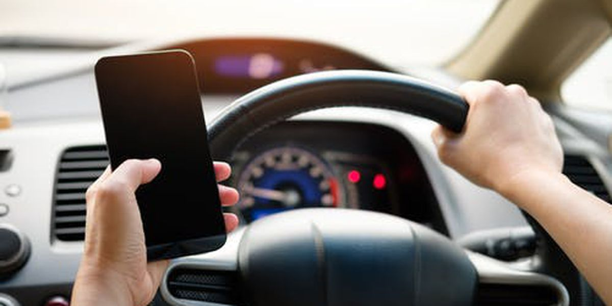 Indiana ban on drivers using handheld phones wins approval