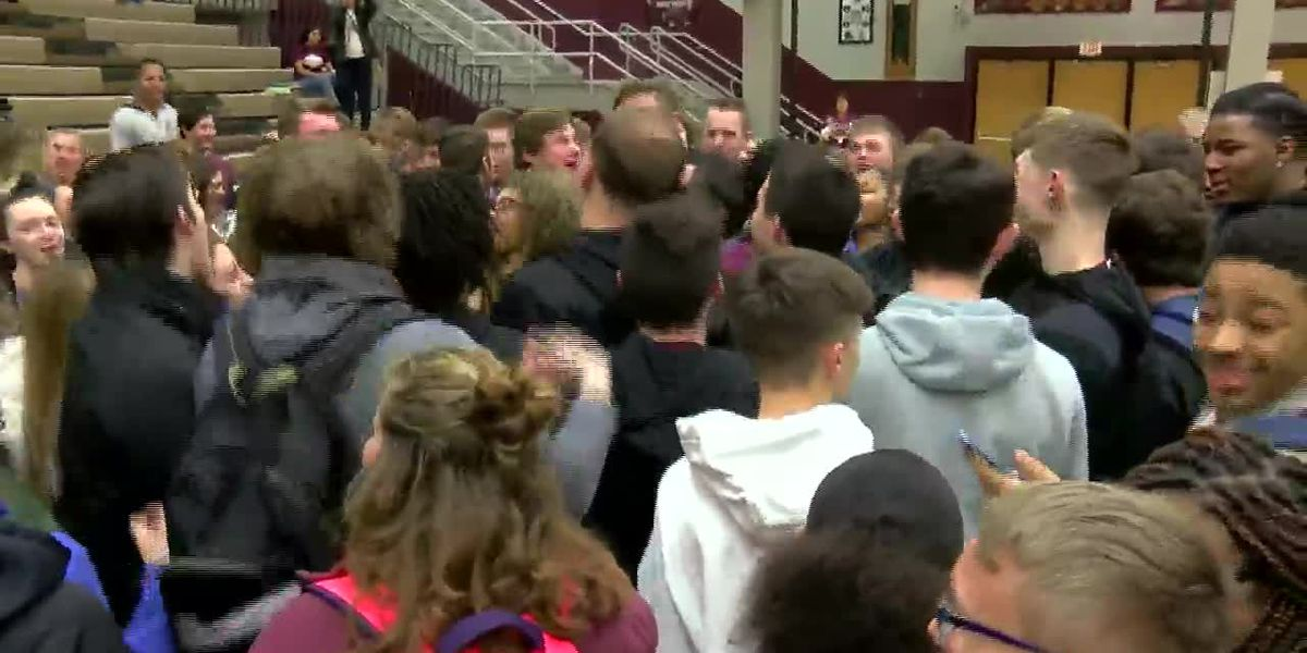 Madisonville North Hopkins basketball team gets send off for state tournament