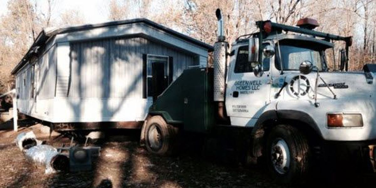 Morganfield man killed after mobile home falls on him