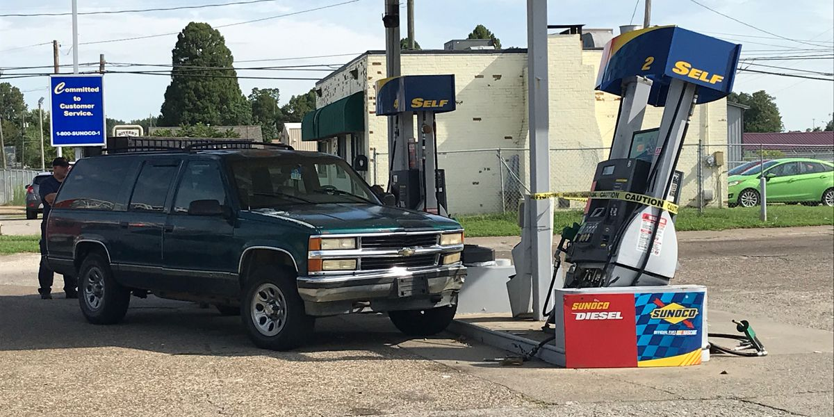 Gas pump hit by car in Evansville
