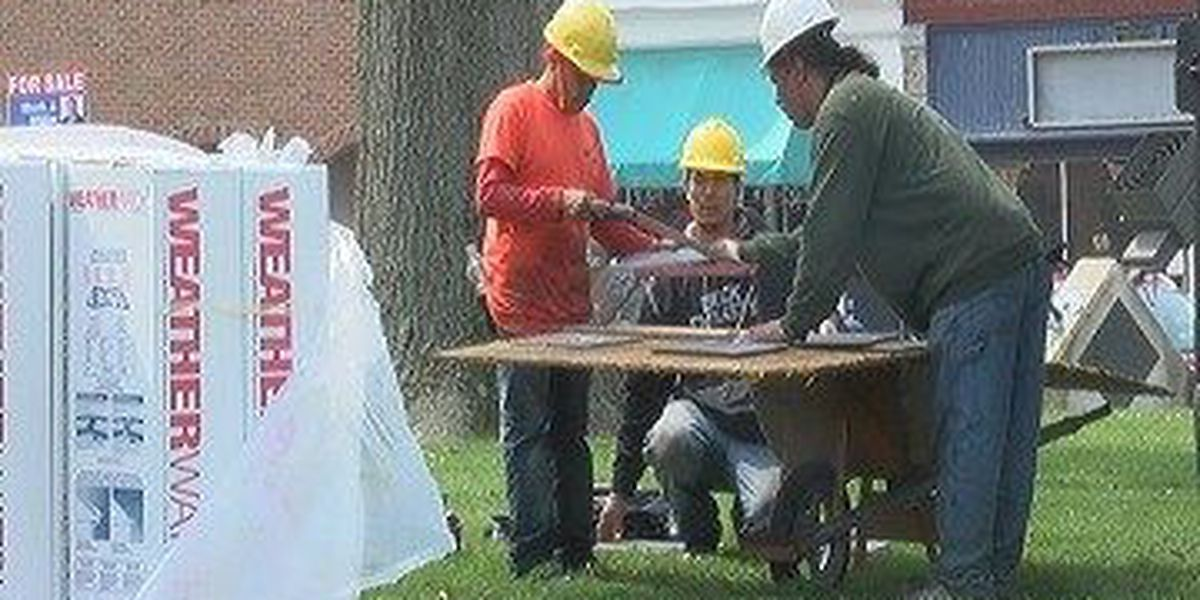 Extreme heat delays Boonville roofing project