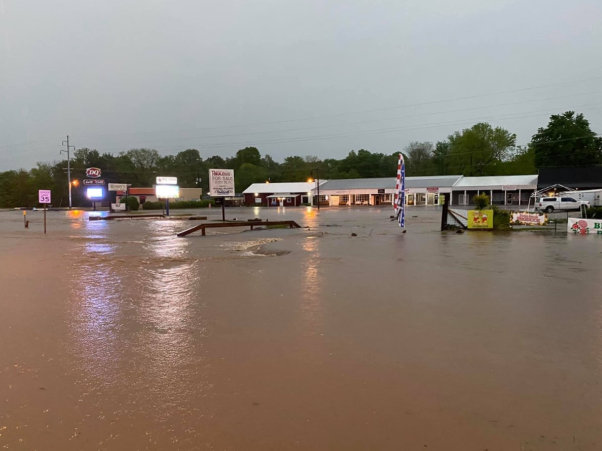 Tuesday morning storms cause flooding in western Kentucky