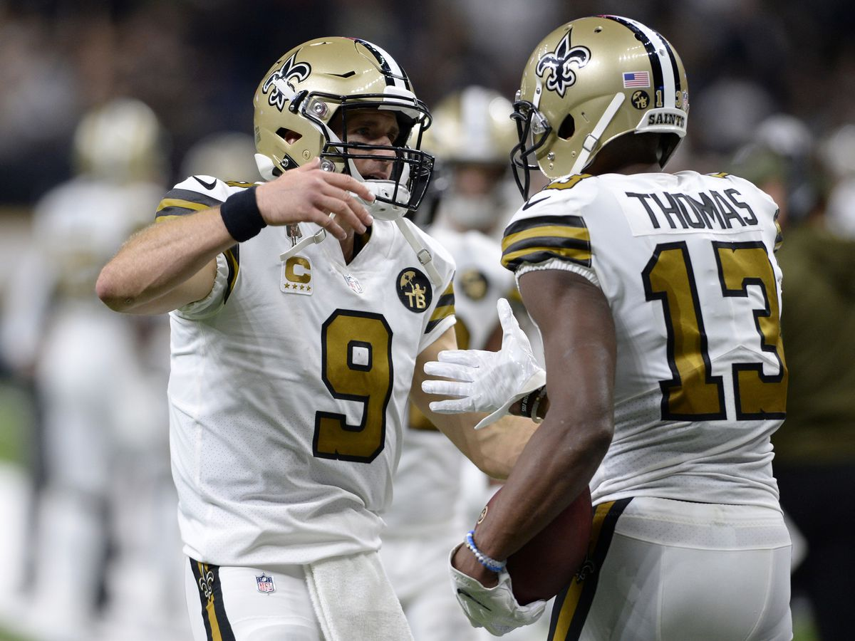 Brees, Saints singe sinking Eagles, 48-7