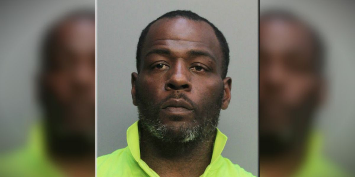 Florida man tried to sell beer for $724 at Dolphins game, police say