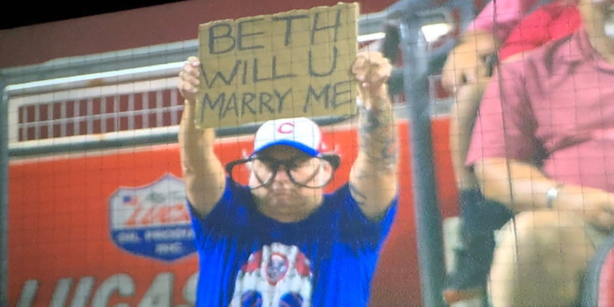 Cubs fan from Evansville proposes on live TV during MLB game