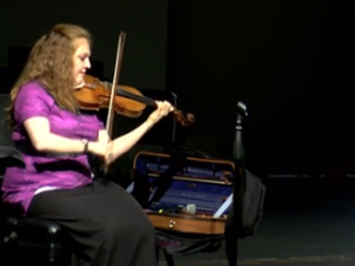 Professional violinist visits Academy for Innovative Studies