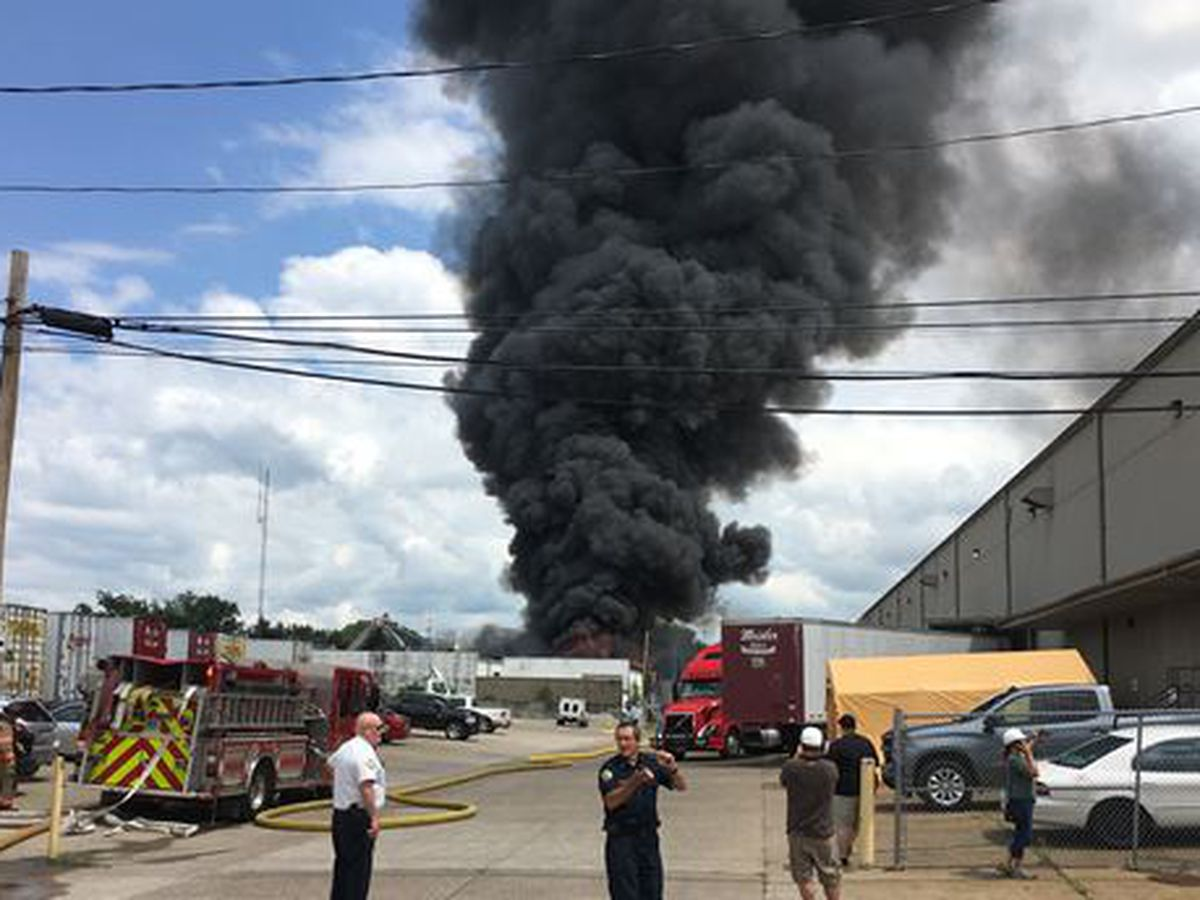 Large business fire breaks out in Evansville