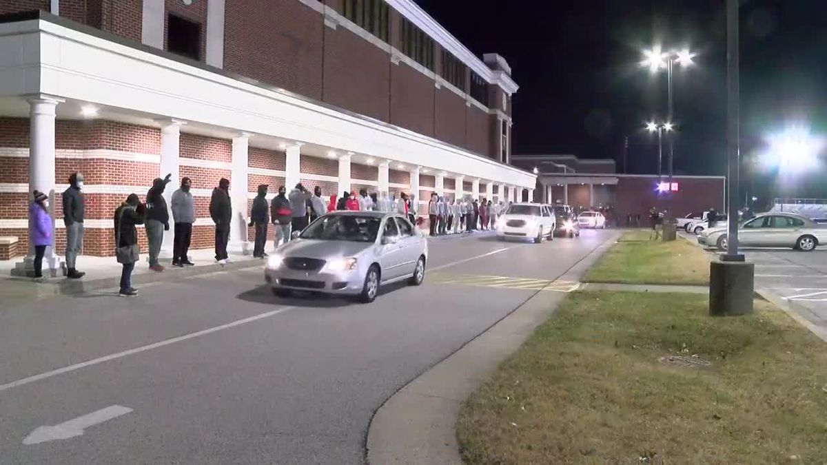 Owensboro football gets pep rally send-off before leaving for state championship game