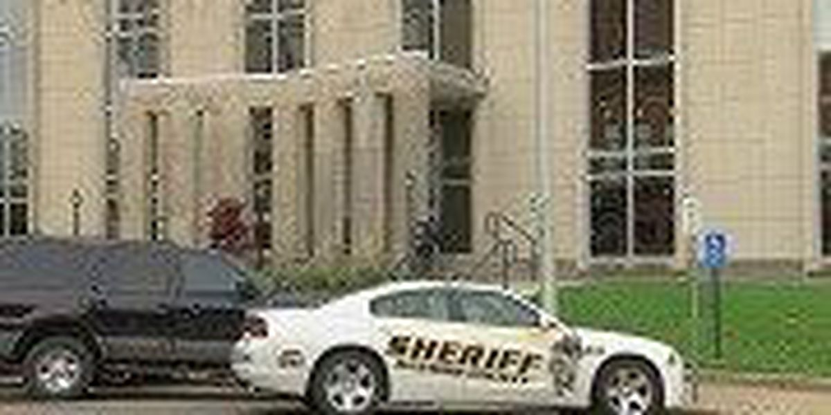 Daviess County deputy charged with 4th degree assault