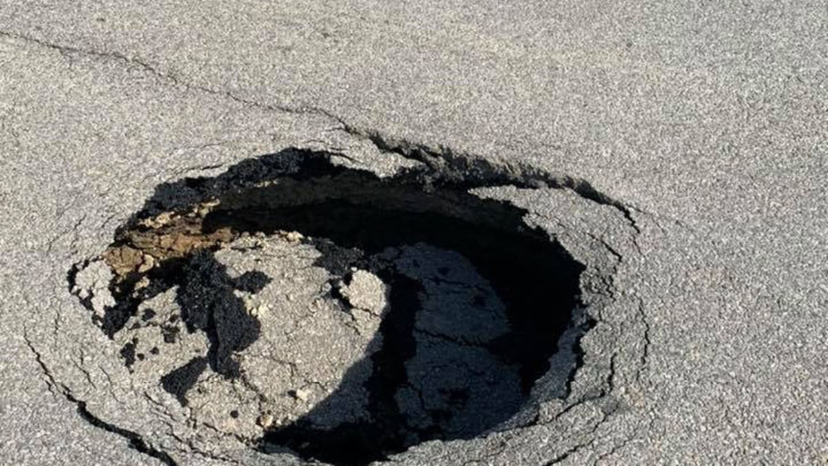 Traffic Alert: Sinkhole forms in Mt. Vernon intersection