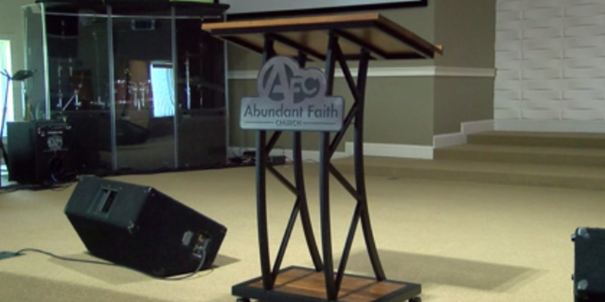 Evansville church prepares to resume in-person services on Sun.