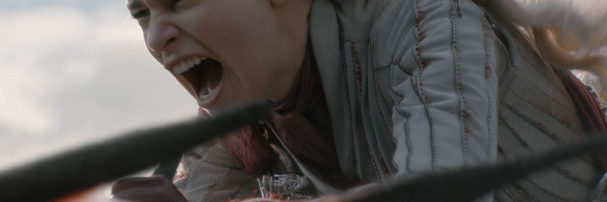 'Game of Thrones': Water bottles join coffee cup in guest-starring roles