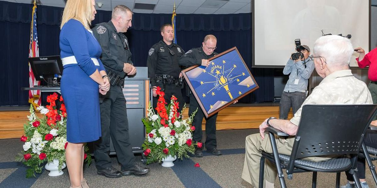 EPD officers return to Houston to honor WWII vet who lost home In Harvey