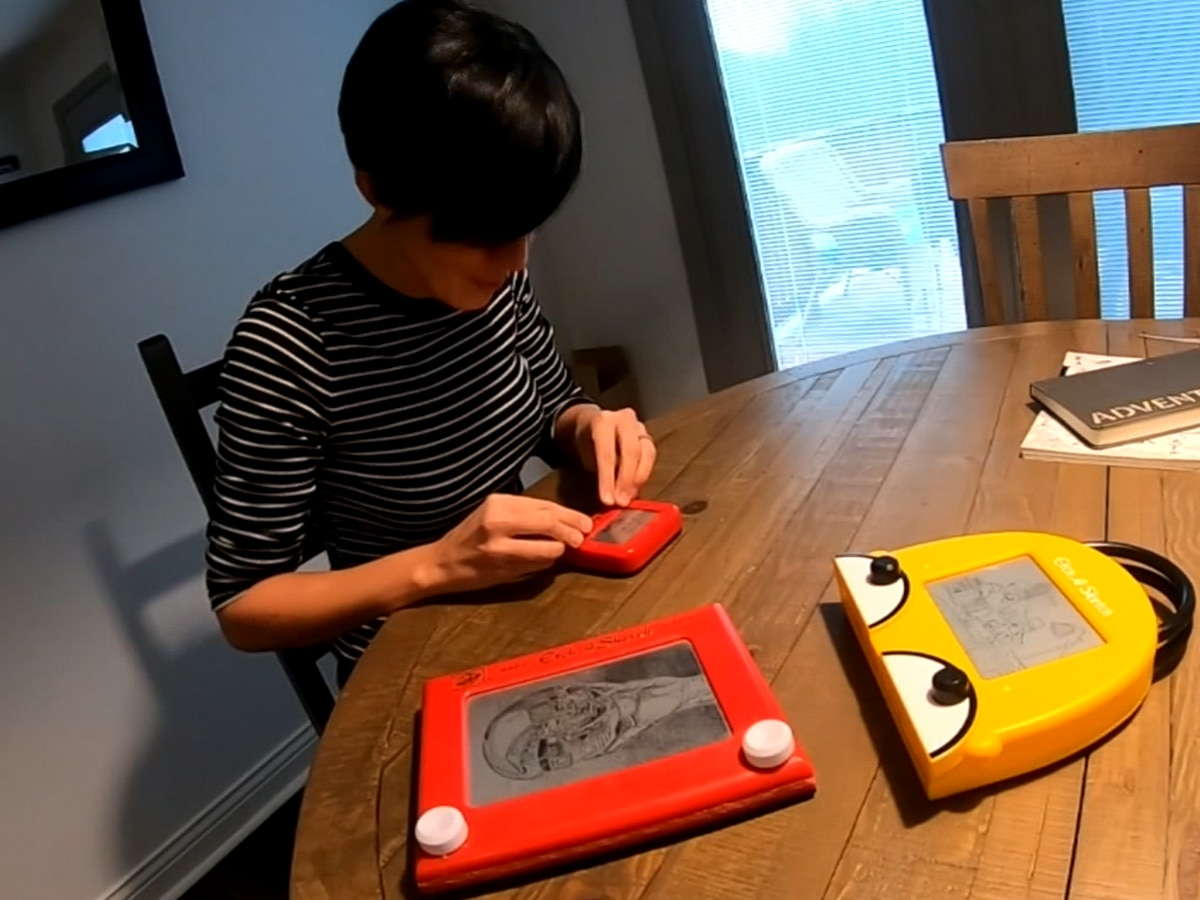 Indiana artist uses Etch A Sketch to create art