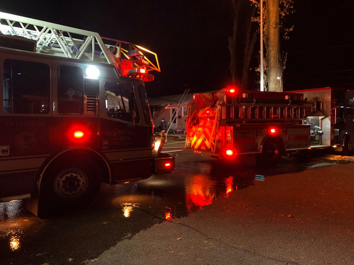 Evansville fire forces several people from homes