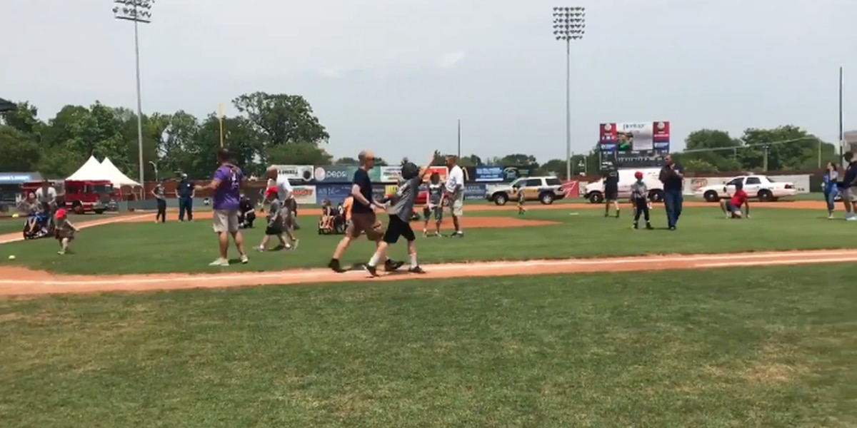 Local officials buddy up with Challenger League players