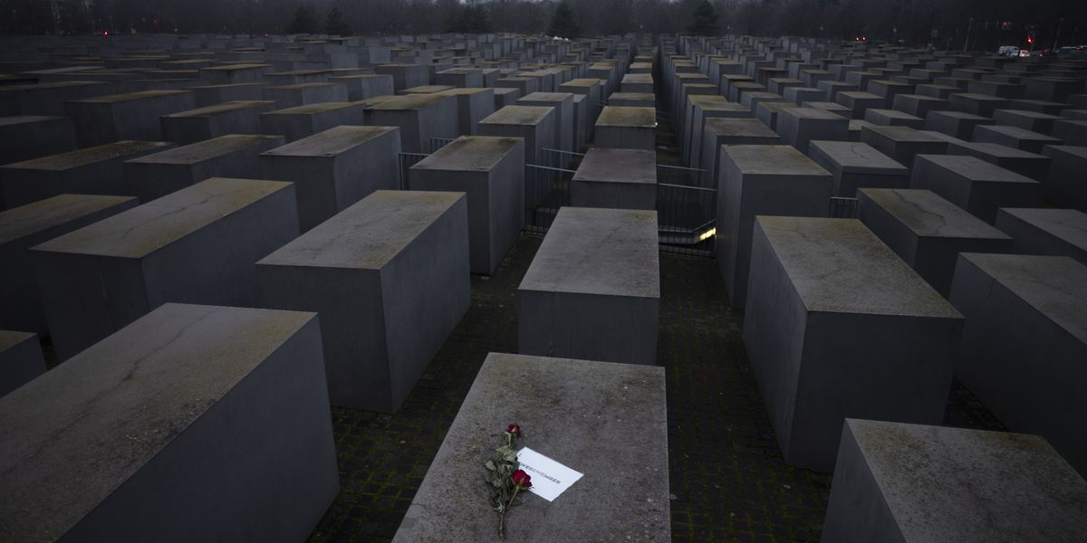Auschwitz survivors mark anniversary online amid pandemic