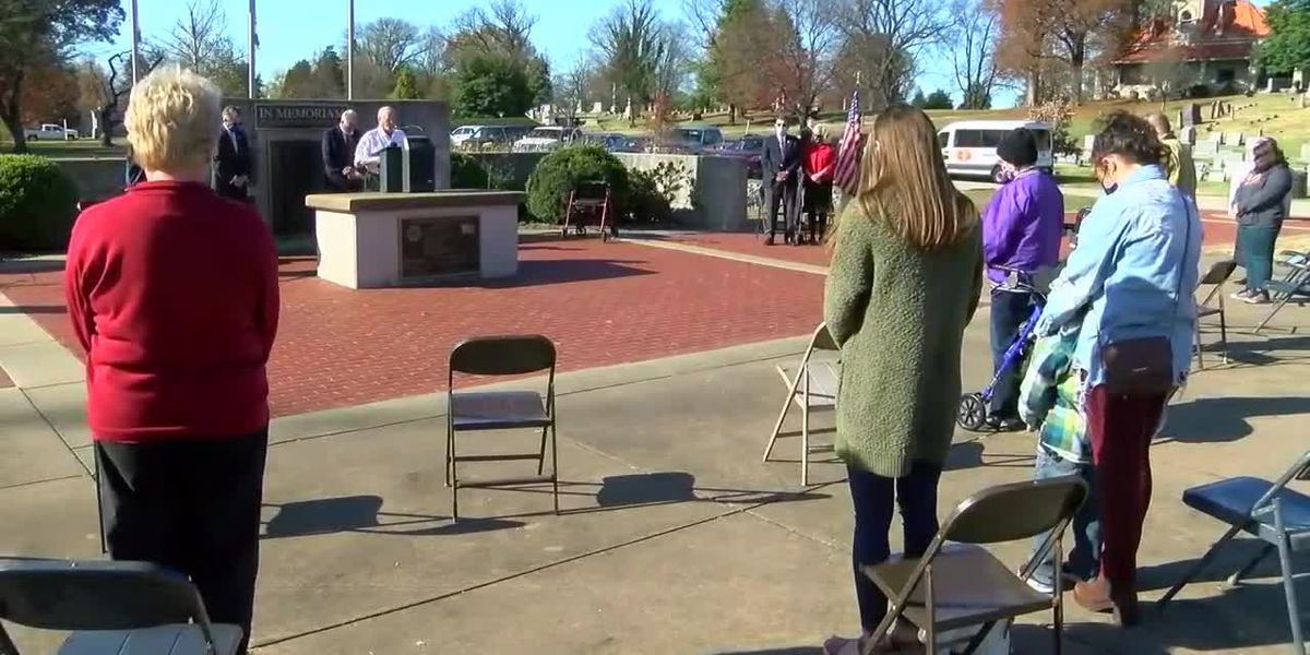 Veterans honored at Oak Hill Cemetery
