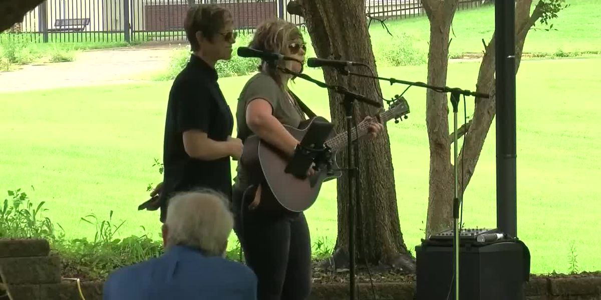 Lampion Center hosts first 'Pause in the Park' event