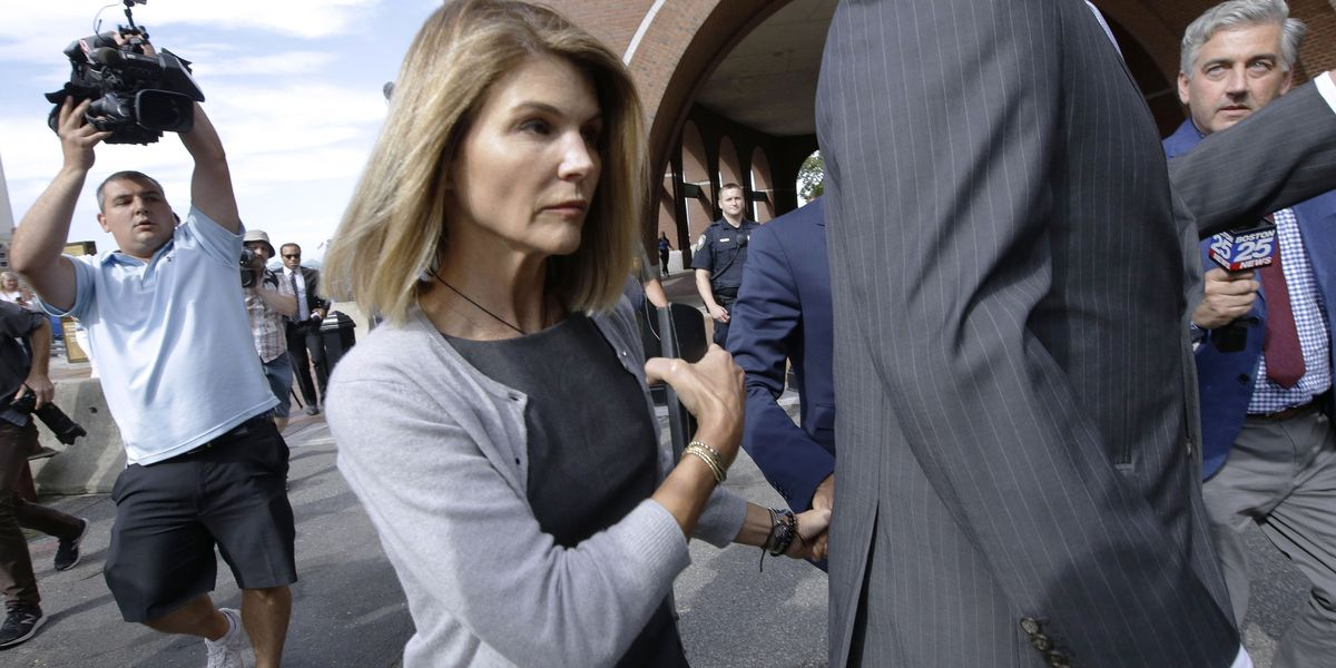 Loughlin, 10 other parents charged anew in college scandal
