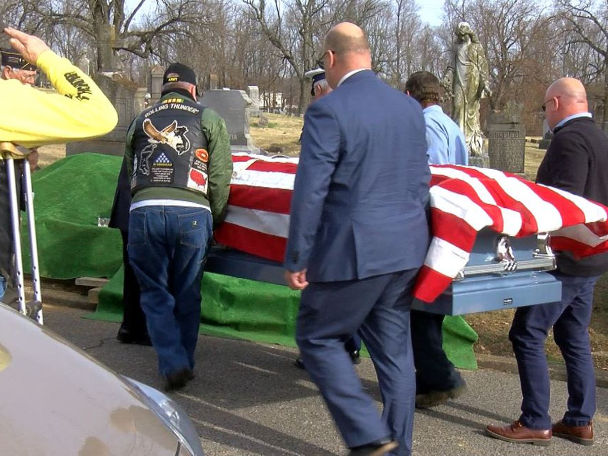 Group holds funeral for fellow veteran with no family in attendance
