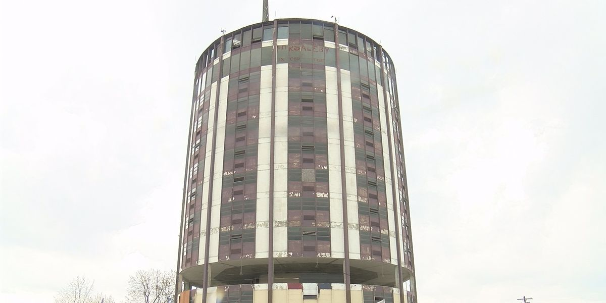 Owensboro agrees to buy Gabe's Tower, plans to demolish it