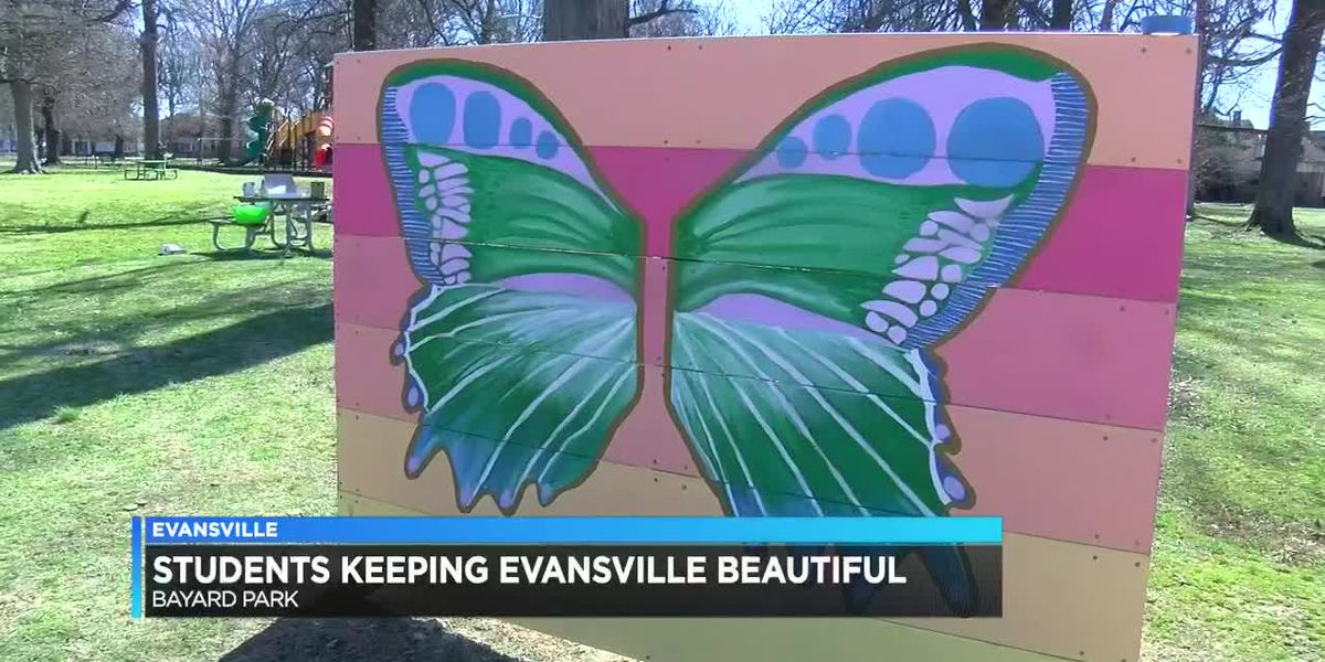 Students help Keep Evansville Beautiful at Bayard Park