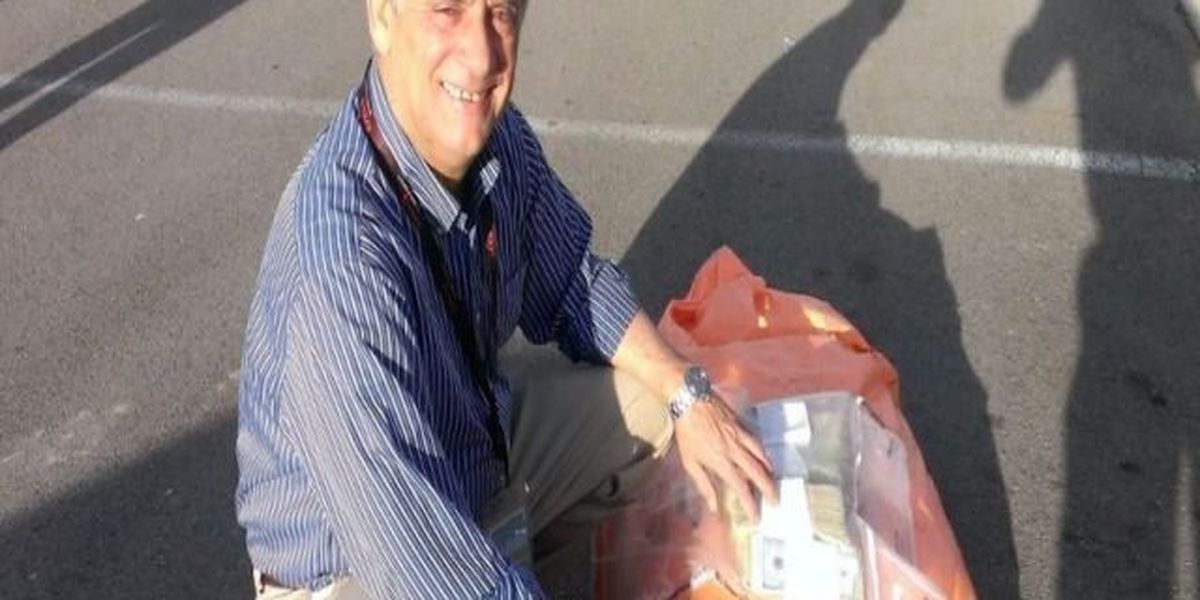 Man returns bag of money that fell out of armored car