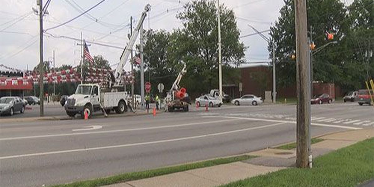 Traffic lights to be installed at Pollack Ave. and Green River Rd.