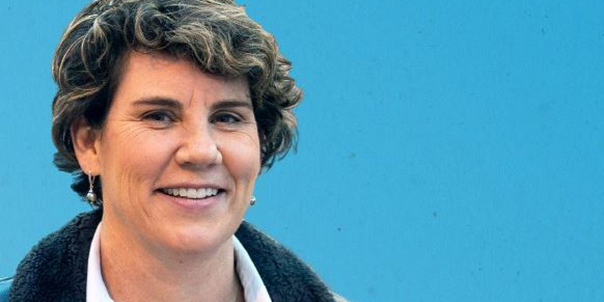Amy McGrath stops in Henderson with former NBA player, Rex Chapman, Monday