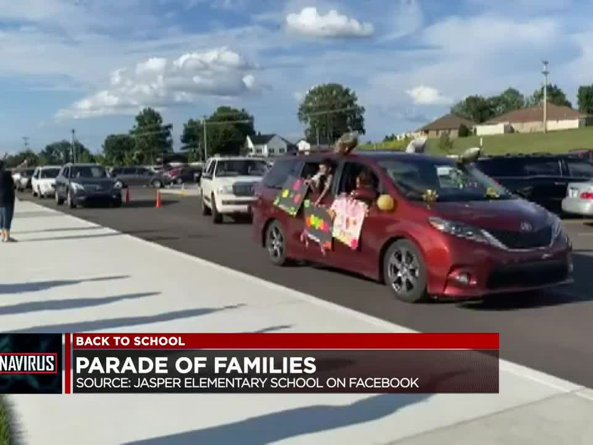 Jasper Elementary hosts Parade of Families before start of school year