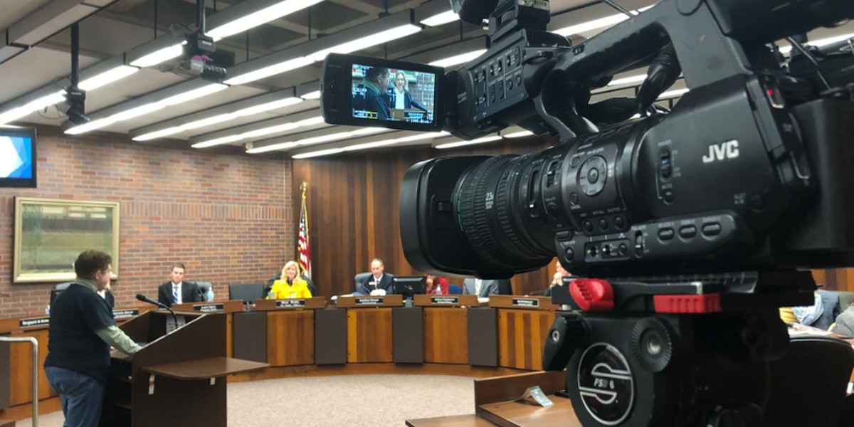 Evansville City Council votes 8-1 to approve continuing the city's recycling program