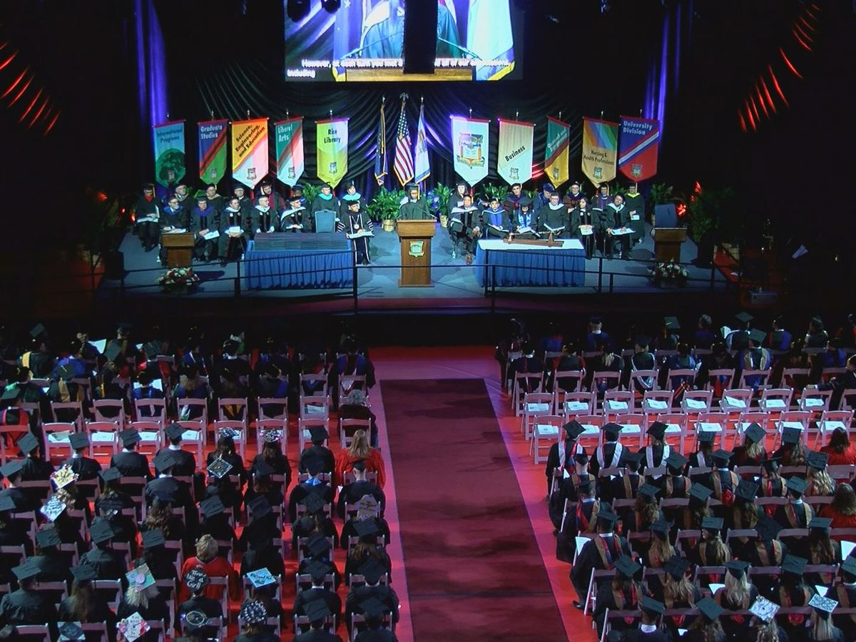 Over 600 USI students graduate Saturday