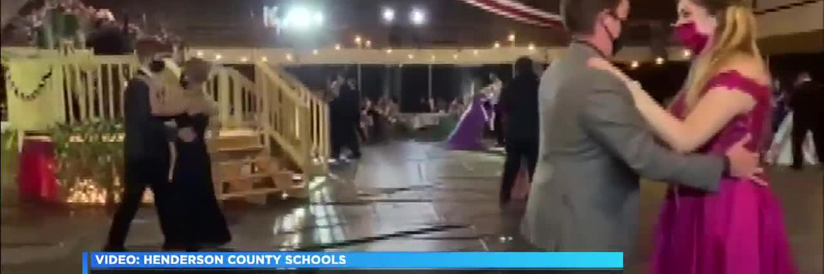 Henderson County High School hosts first prom since beginning of pandemic