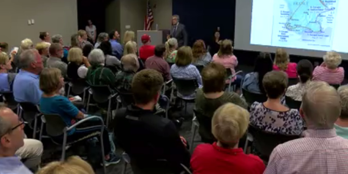 Holocaust survivor shares story in Evansville