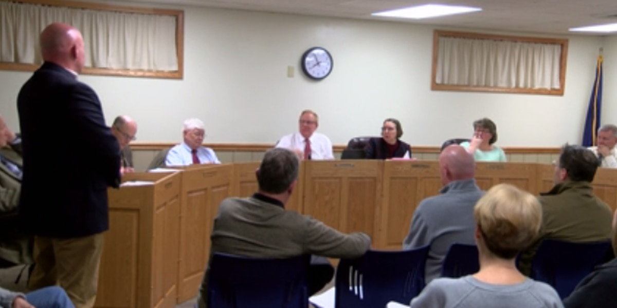 Northeast Dubois County School Board holds off decision to close Celestine Elementary