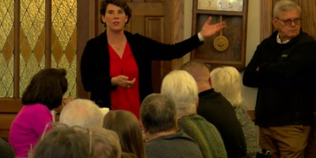 Amy McGrath stops in Owensboro for campaign event