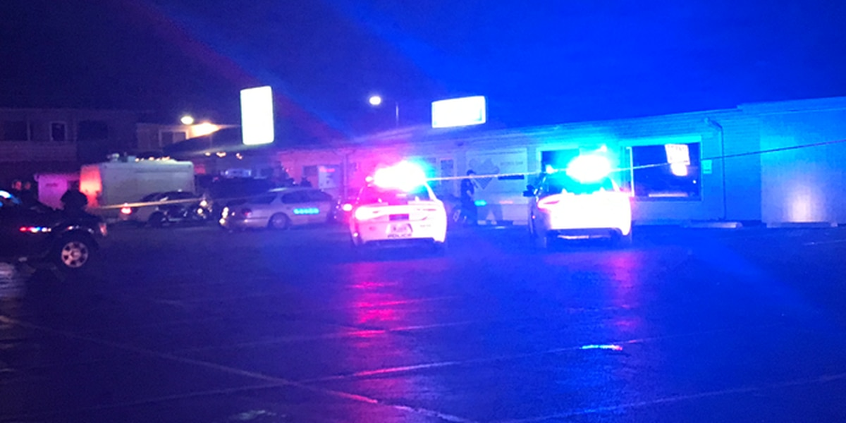 Man hurt in shooting at east side Evansville bar