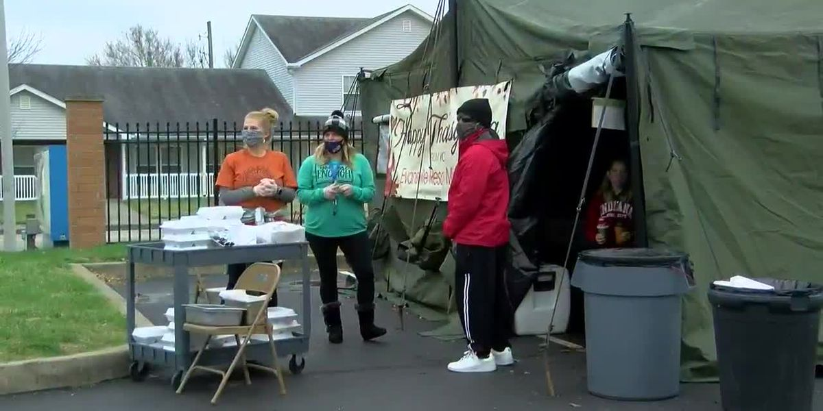 Evansville Rescue Mission holds Thanksgiving feast